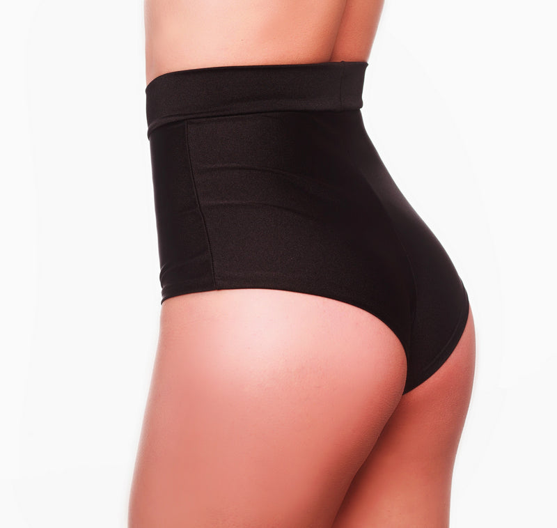 POLE HIGH - WAISTED BLACK SHORTS - HollywooDress