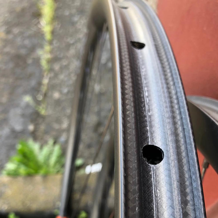 Outback Carbon Wheelset (700c)