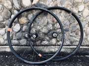 This is a wheel for adventuring, and that means getting out there - picking a journey and riding through to the end – the Great Divide Route. The Oregon Outback. Colorado Trail. For pressing on when the tracks fade. Because single track looks enticing, even on drop bars, and rough roads lead to good things.  This wide 25mm internal hookless-carbon rim pairs best with 44mm to 2.4 inch tires.