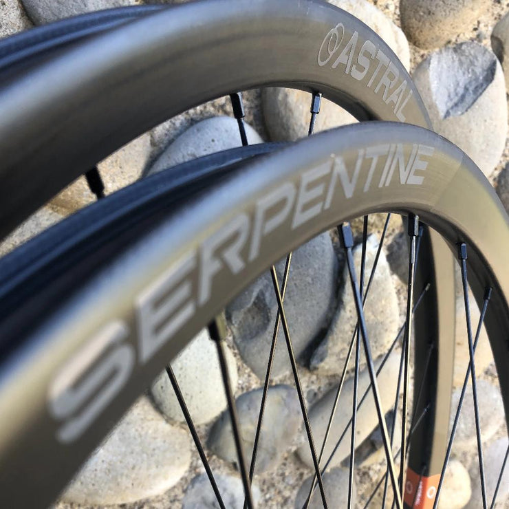 "Serpentine Carbon Wheelset (29"") Approach by White Industries Hubs"