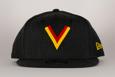 Vancouver Canucks New Era Flying V 950 Snapback