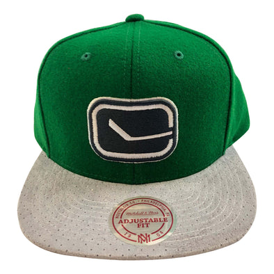 Vancouver Canucks Mitchell & Ness Winder Suede Perforate Green - Vanbase