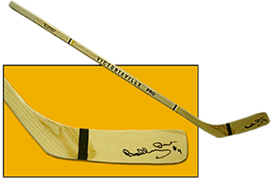 Bobby Orr Signed replica Victoriaville stick - Vanbase
