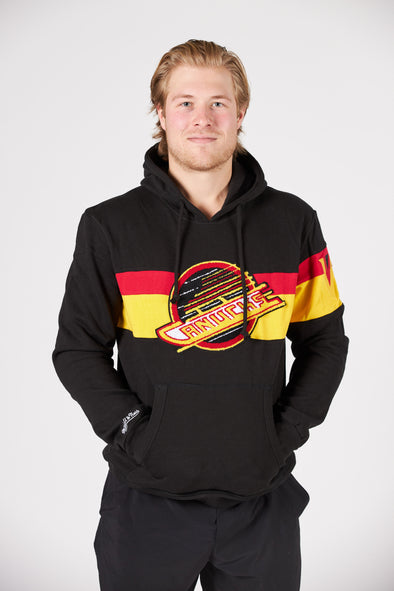 Vancouver Canucks Mens Mitchell & Ness Heritage Skate Hoodie (Black)