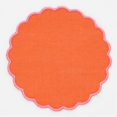 "16"" Round Placemat with a Scalloped Hem"