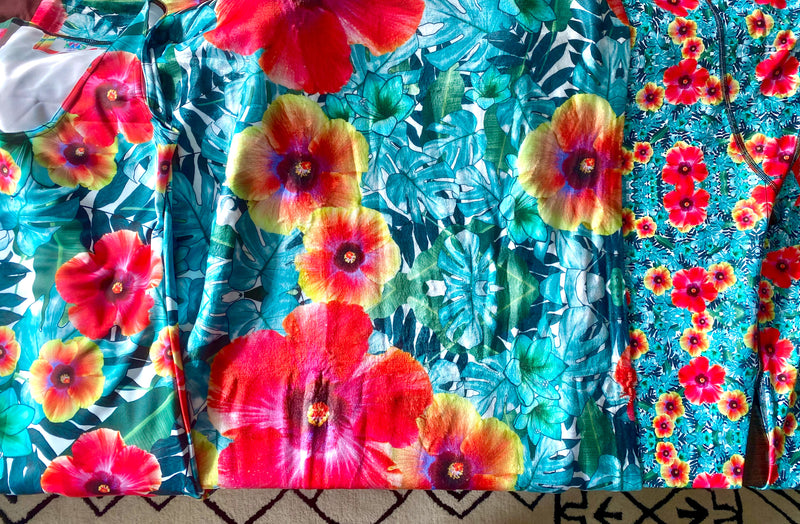 Hibiscus Throw Blanket - A Circus of Light