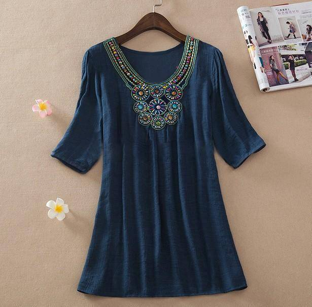 clothing dark blue / L (US 16-18) Plus Size - Floral Embroidery Loose Blouse (US 16-24)