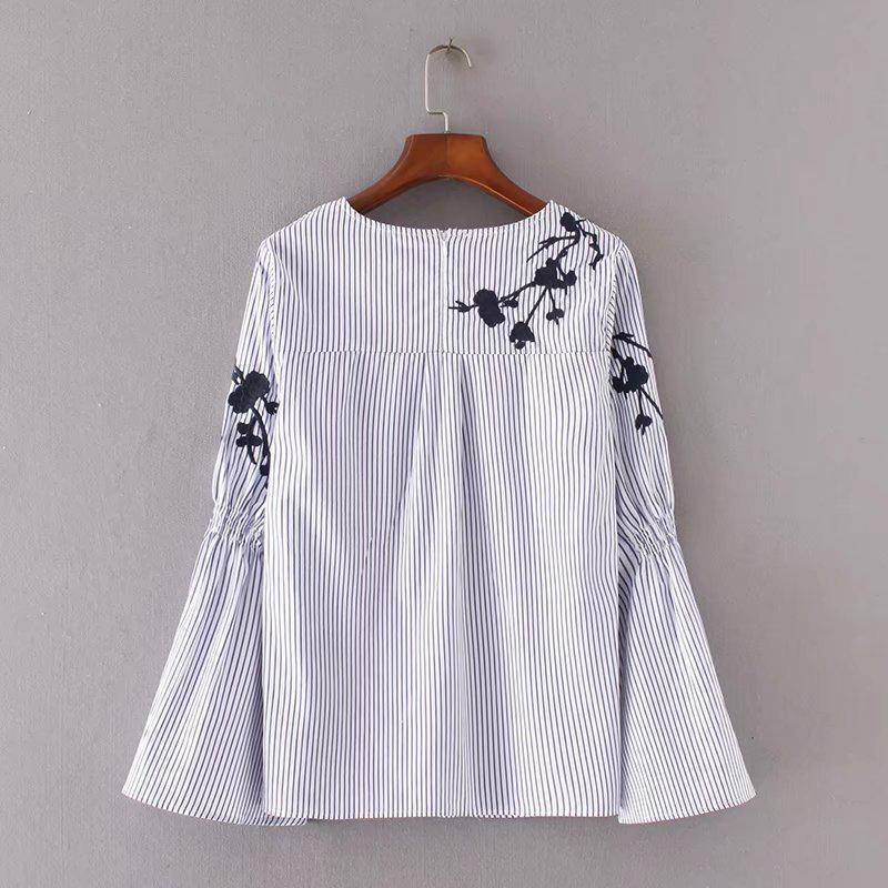 Clothing Flower Embroidery Stripe Flare Sleeve Blouse, Casual Loose Zipper Top (US 12-16W)