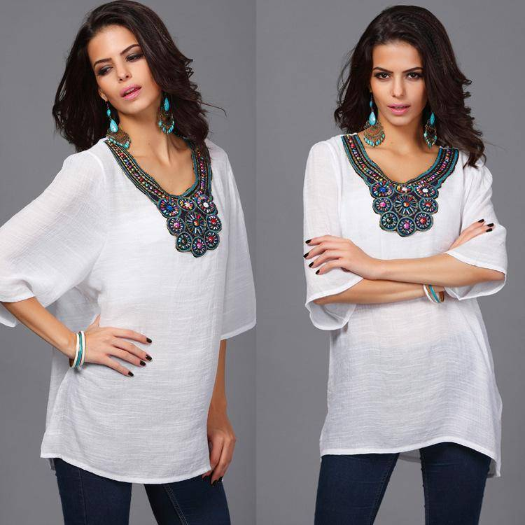 clothing Plus Size - Floral Embroidery Loose Blouse (US 16-24)