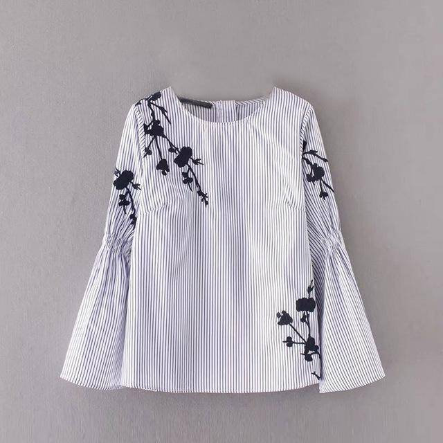 Clothing S (US 12-14) Flower Embroidery Stripe Flare Sleeve Blouse, Casual Loose Zipper Top (US 12-16W)