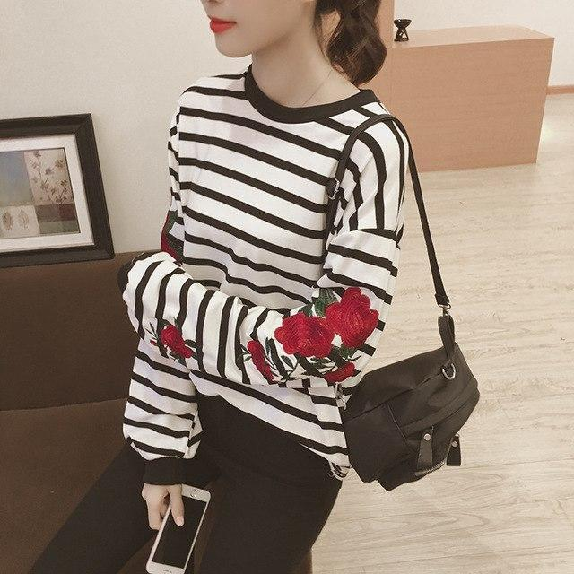 Clothing white striped / One Size New Autumn Harajuku Hoodies Roses Embroidered Lantern Sleeve Loose Striped Women Sweatshirt Vintage Elegant Casual Tops (US 14-16)