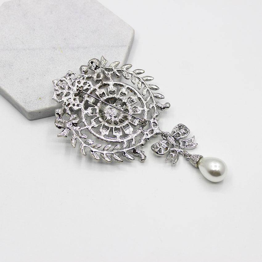 jewelry Vintage Baroque Rhinestone Silver Brooch / Pin With Pearl Drop