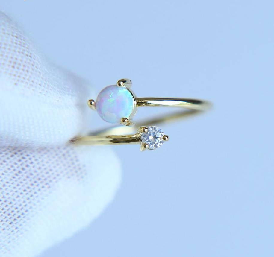Rings High quality AAA+ CUBIC ZIRCONIA white fire opal stone Adjustable delicate ring