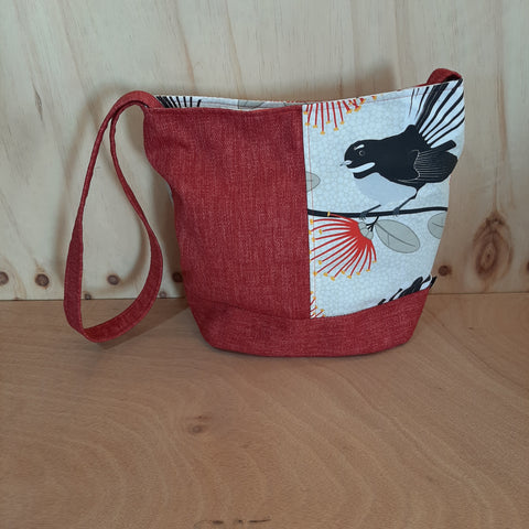 Shoulder bag - Cream Pīwakawaka - Fantails - on Red