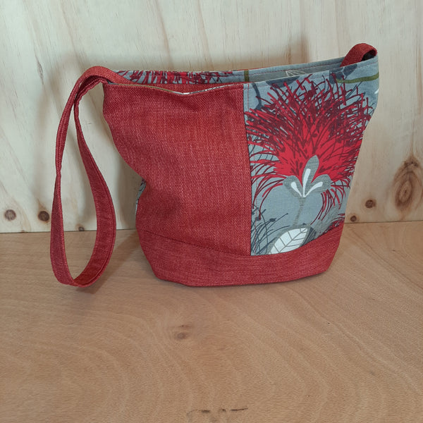 Shoulder bag - Grey Pohutakawa on Red