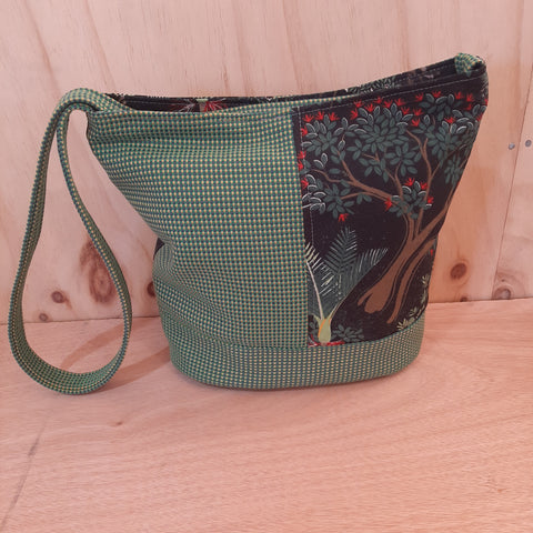 NZ Fauna Shoulder Bag