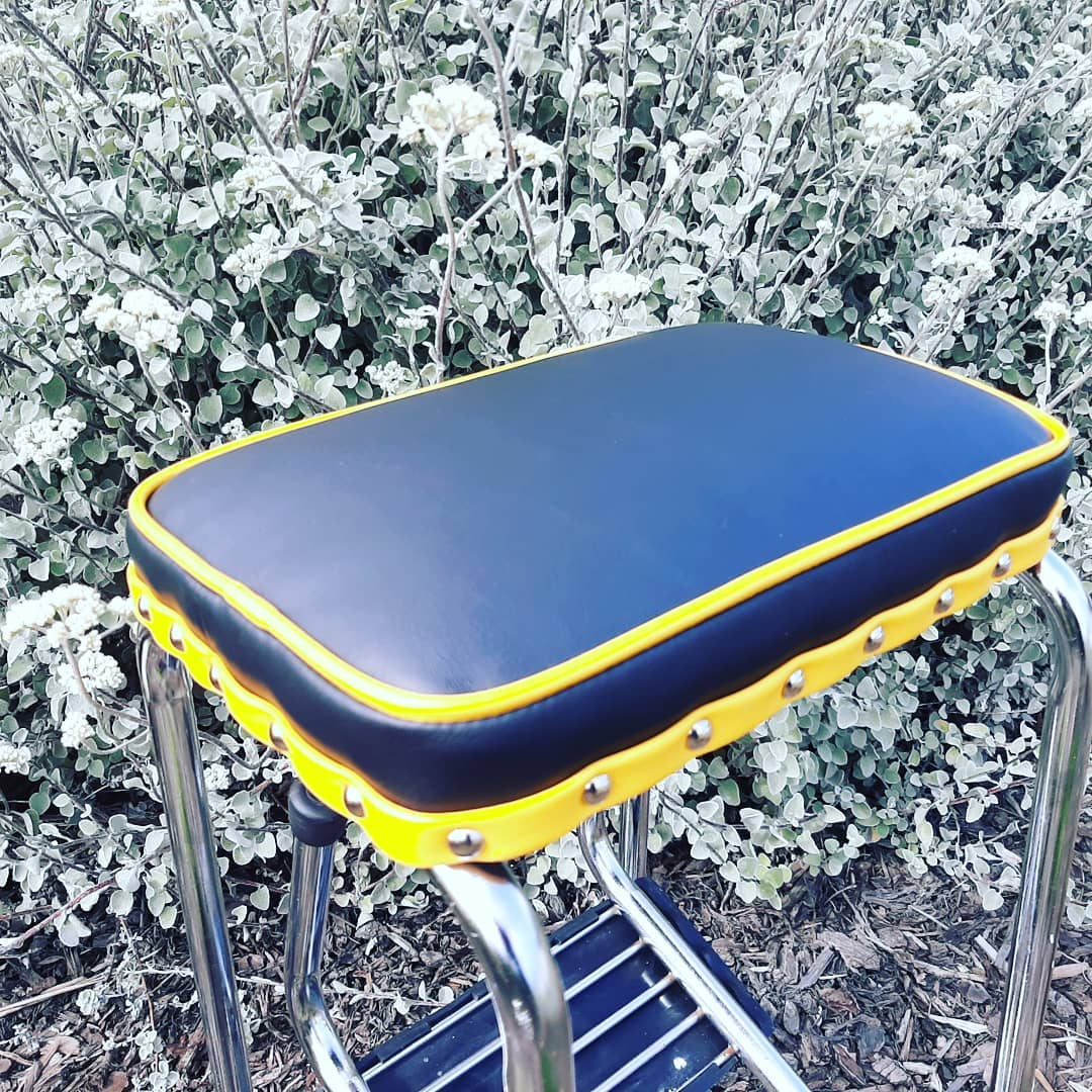 Retro Step Stool - Seat