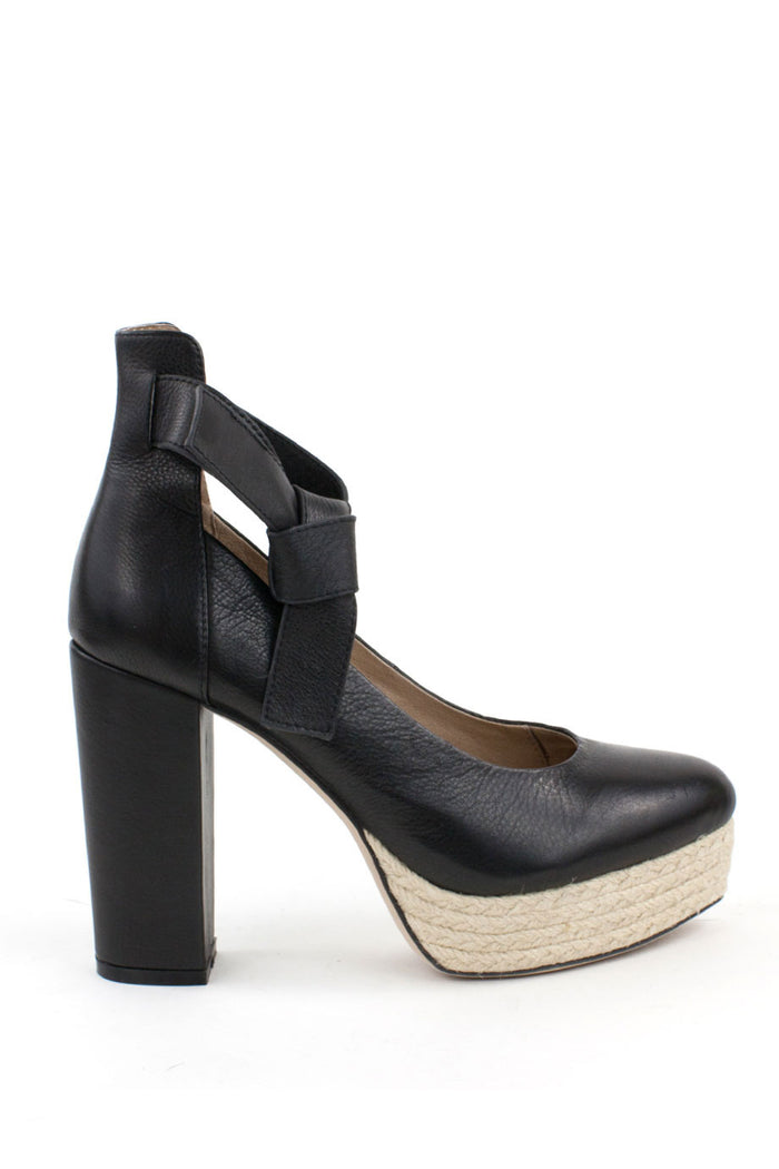 e566024b6 Harper Leather Heel - 9