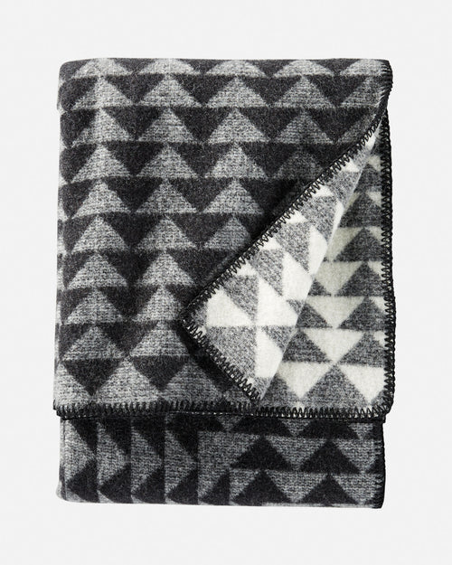 Nova Throw - Charcoal/White