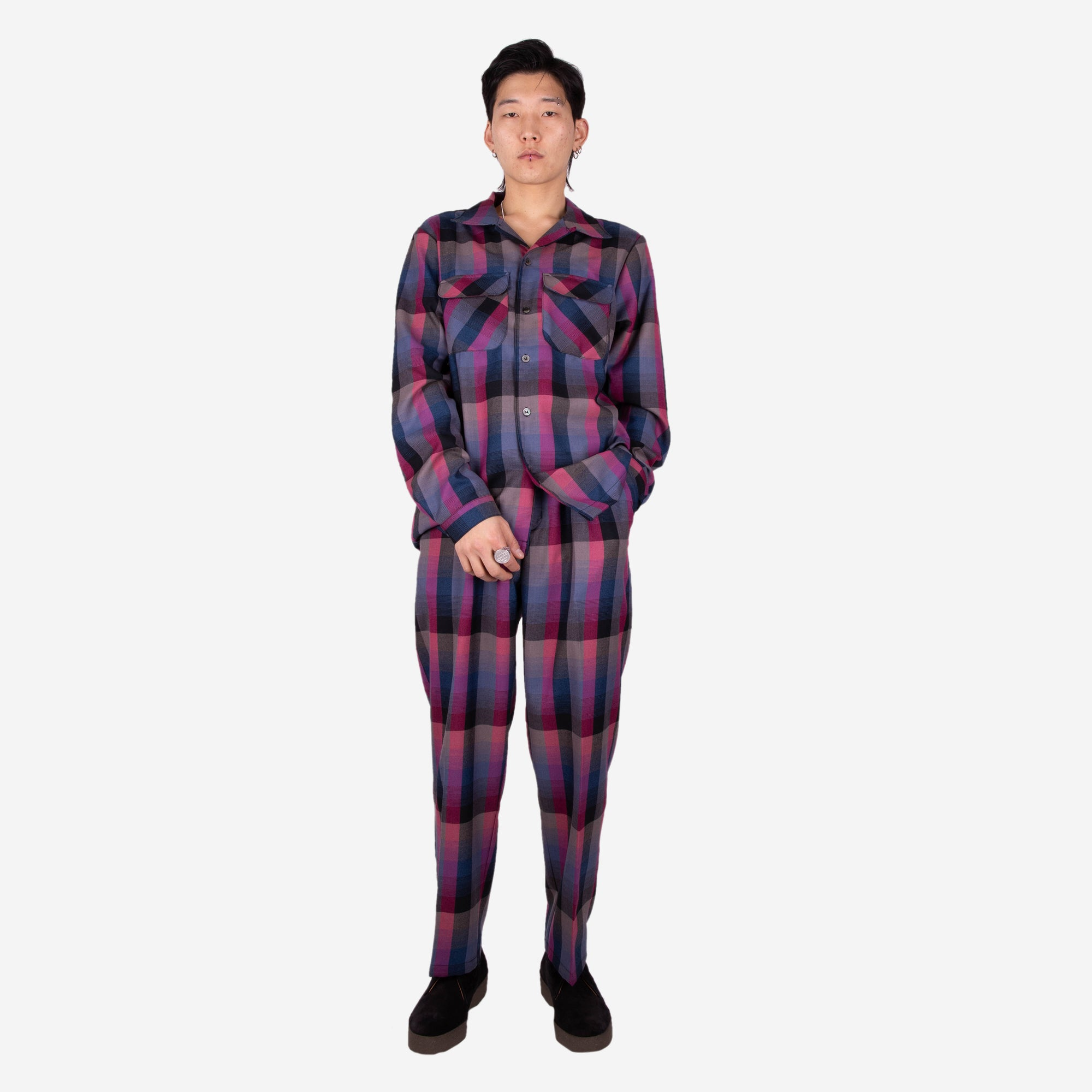 Load image into Gallery viewer, Pleated Slacks Grape Plaid | CHECKS DOWNTOWN