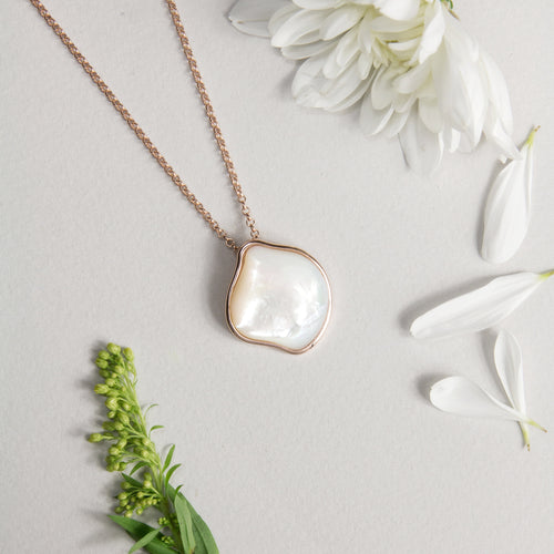 Absolute Mother of Pearl Pendant Necklace