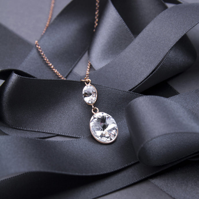 crystal drop short necklace with rose gold plating