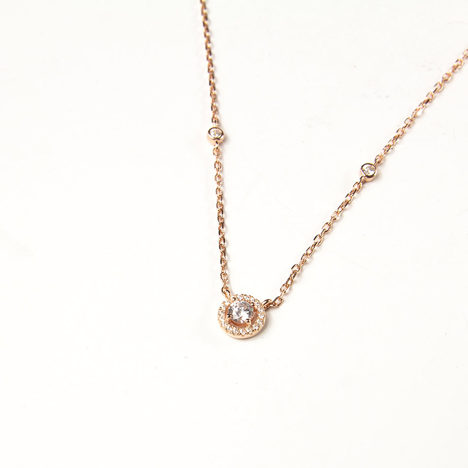 Gleam Necklace