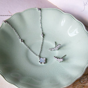 Mother of Pearl Clover with Zircon Necklace