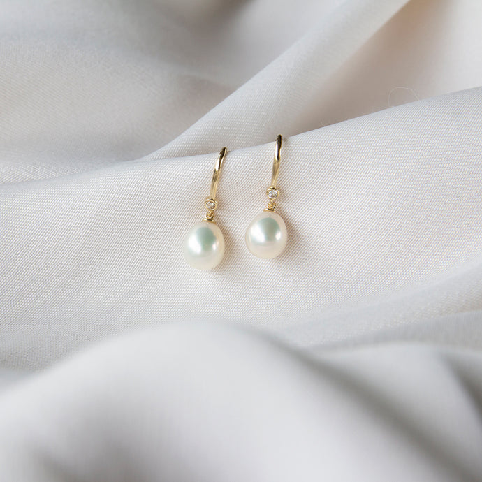 Zadie Freshwater Pearl 9k Gold Hook Earrings
