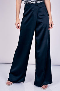 Overlapping Wide-leg Pant