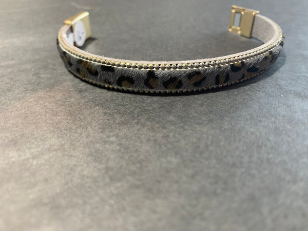 Thin cheetah bracelet