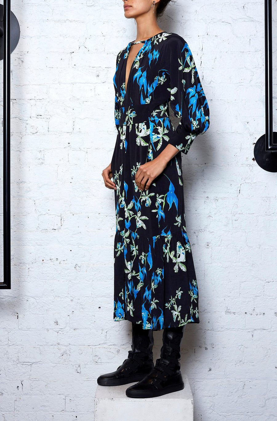 Restoration Dress - Blue/Black Flower