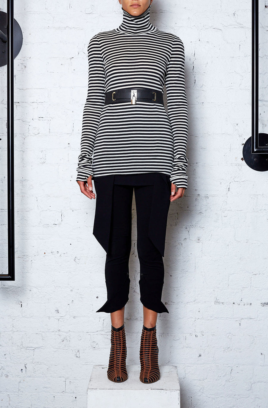 Circular Stripe Top - Black Cream