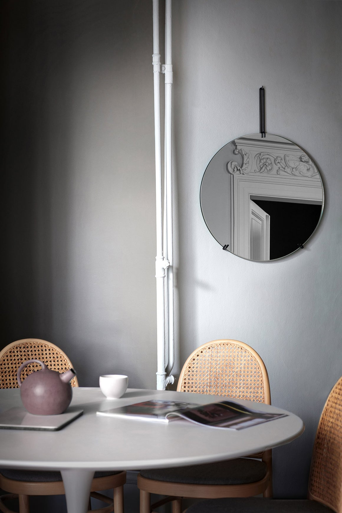 Wall Mirror - Black - 50cm Ø