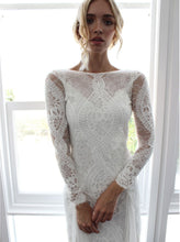 Load image into Gallery viewer, Chiffon Lace Stitching Sexy Backless Mopping Dress wedding dress