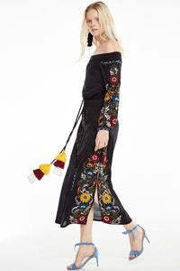 Shoulder-off Bohemian stripes heavy geometric embroidery tassels linen in the long section of the Black dress