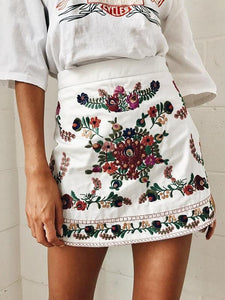 2018 Spring Vintage Embroidered Short Skirt
