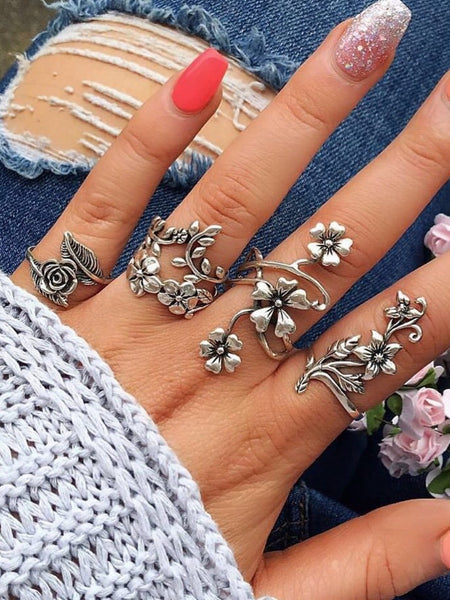 Vintage 4 Pcs Ring Set Bohemian Flower Silver Rings Punk Knuckle Ring Set