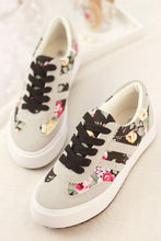 Load image into Gallery viewer, Women s Simple Preppy Style Floral Sneakers