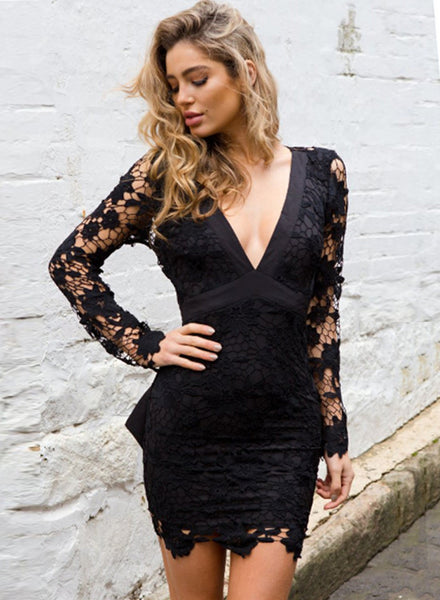 V Neck Backless Hollowed Out Crochet Bodycon Dress with Belt