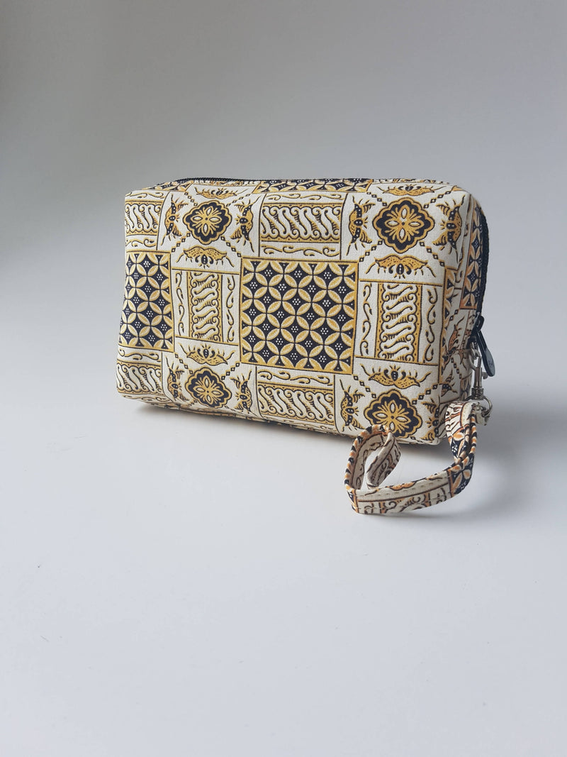 Handy Boxy Clutch Bag