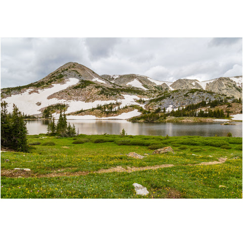 libby lake in the medicine bow forest of wyoming