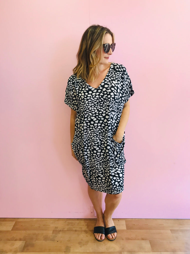 Pocket Shift Dress - Navy and white pebble