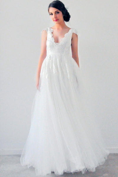A-Line Scalloped Appliqued Empire Cap Sleeve Tulle Wedding Dress