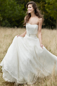 Strapless Floor-Length Sleeveless Broach Lace Wedding Dress