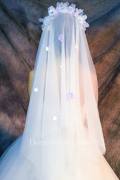 Ethereal Fingertip Tulle Wedding Veil with Flower Appliques