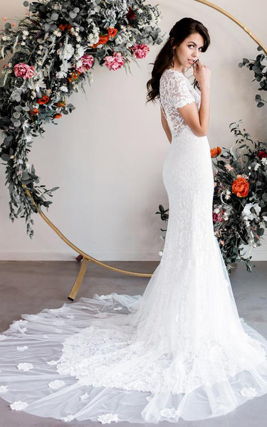 Elegant Sheath Bateau Lace Short Sleeve Floor-length Wedding Dress with Court Train and Appliques
