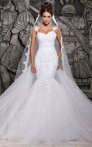 Magnificent Tulle Mermaid Lace Wedding Dress With Veil