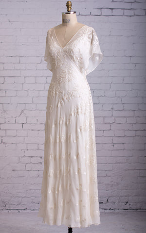 {DorrisDress}{Wedding Dress}-{704162}-front