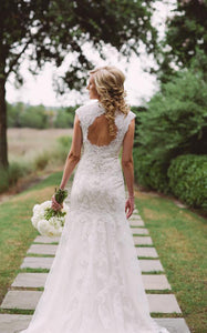 V-Neck Cap Sleeve Keyhole Back A-Line Lace Wedding Dress-713771